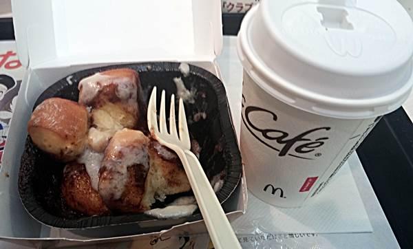 マックのシナモンメルツ、コーヒーと一緒に2017年10月16日