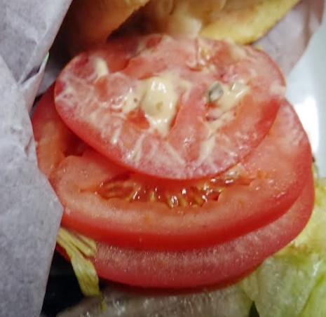 マック「倍グランクラブハウス」トマト上から見た